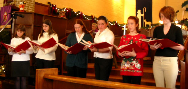 The intermediate choir - Shauna & Meghan Overbury, Jennifer Worsnip, Michelle McKenzie, Amélie & Gabrielle Poitras